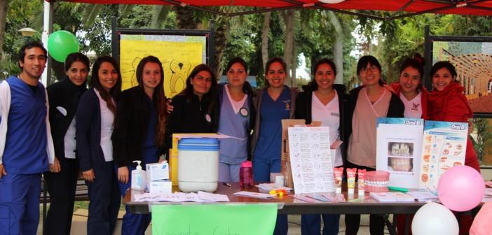 """Con feria Informativa CESFAM, Celebra """"Dia Mundial De La Salud"""" 2016"""